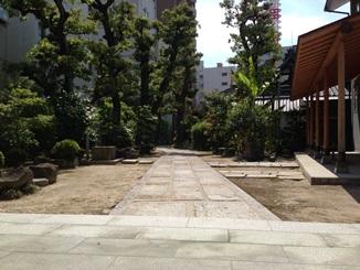 久遠寺参道